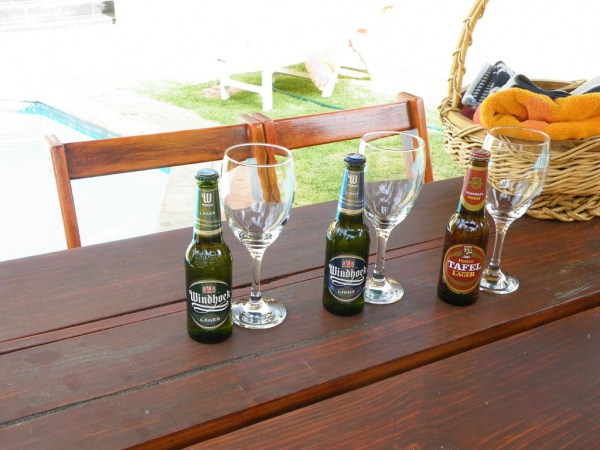 Jordani B&B Windhoek POOL DRINKS