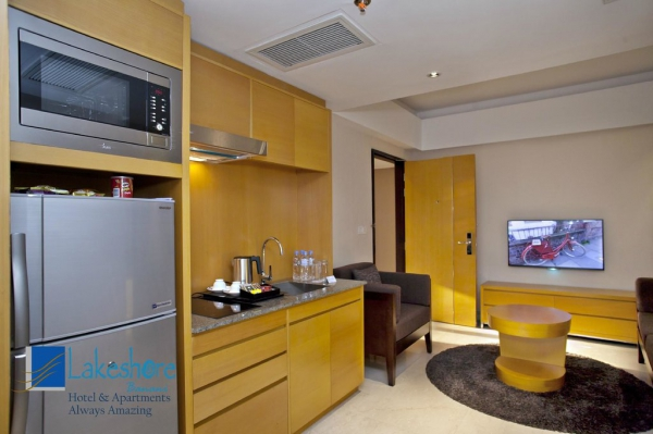 Lakeshore Banani Business suite kitchenette