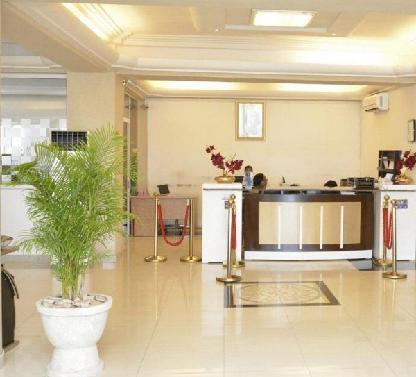 BEST WESTERN PLUS Nobila Airport Hotel Front Desk